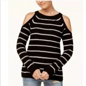 Nwt. Hippie rose cold shoulder sweater. Size small